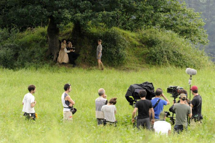 MIENTRAS DURE LA GUERRA AMENABARREN AZKEN FILM LUZEAREN TRAILER OFIZIALA
